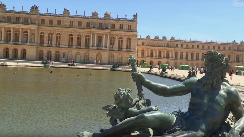 le chateau de versailles naturisme tv. Black Bedroom Furniture Sets. Home Design Ideas